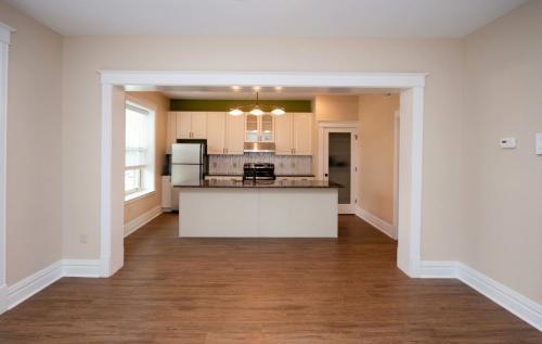 Quadrangle Housing - 6010