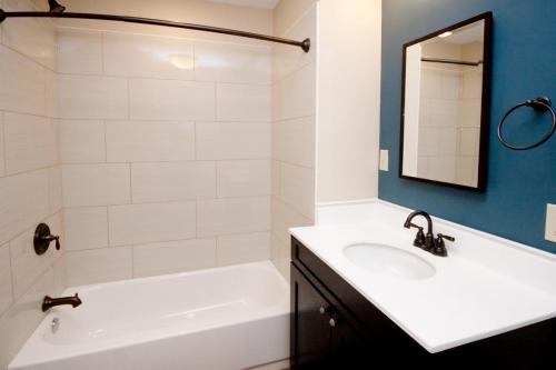 Quadrangle-Housing-6010 4